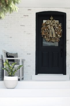 Romabio Lime washed porch wall
